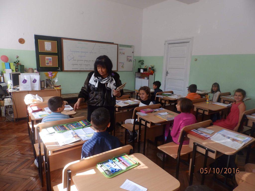 Една емоционална среща в седмо на Международния ден на учителя